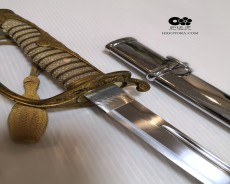 刀身を失った旧陸軍サーベル型軍刀拵に刀身とハバキと切羽を誂え